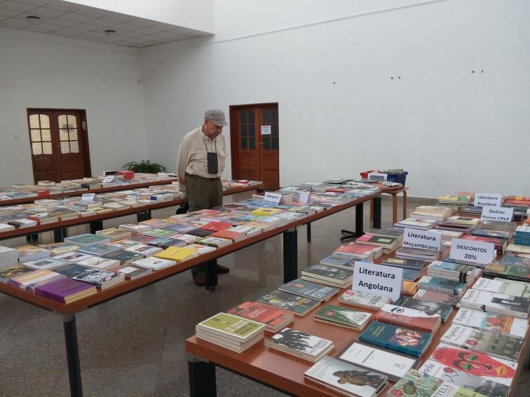 Bob in Library180813